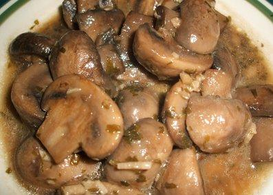 Champi ones en salsa receta de cocina for Como se cocinan las setas