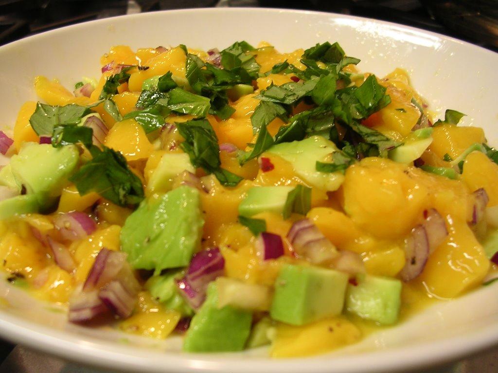 Ensalada de mango y aguacate