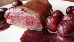 magret-de-pato-con-salsa-de-cerezas