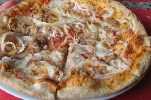 pizza-de-atun-y-cebolla