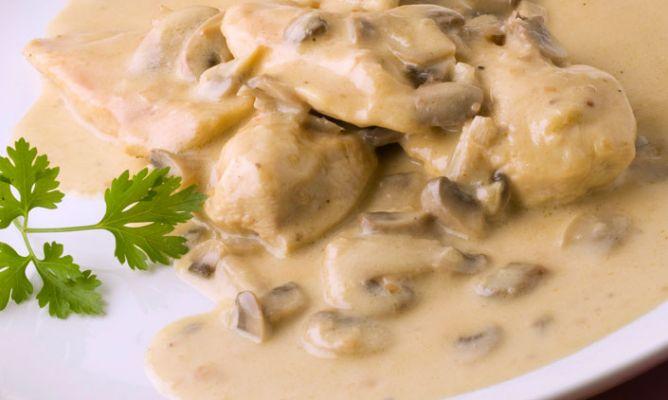 Pechugas de pollo al cava receta de cocina for Como cocinar filetes de pollo