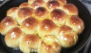 pan relleno de queso con sirope de miel