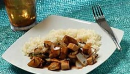pollo y tofu con salsa teriyaki