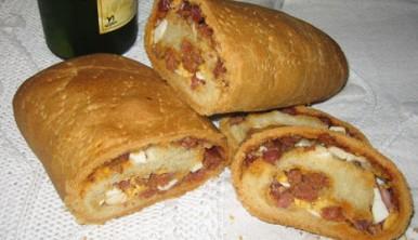 bollo-de-chorizo-jamon-huevo