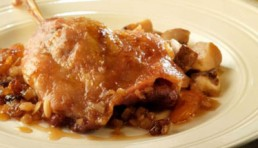 confit-de-pato-con-boletus-y-salsa-agridulce