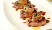 minihamburguesas-con-foie-y-salsa-Oporto