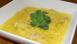 sopa-de-gallina-con-hierbabuena