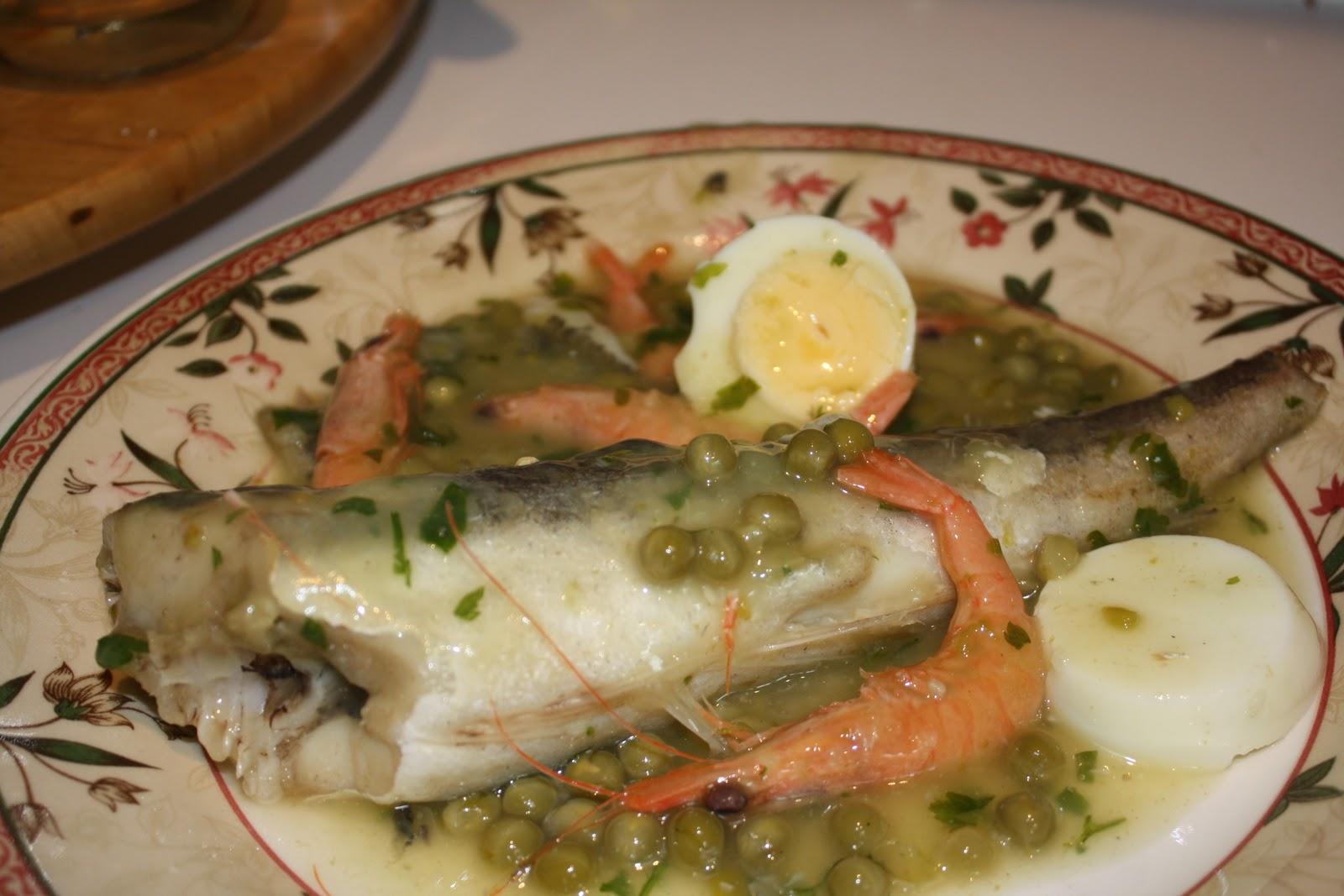 Colas de merluza en salsa verde receta de cocina - Cocinar pescado en microondas ...