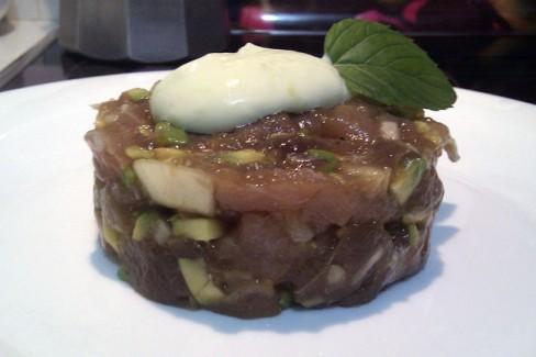 tartar-de-atun-con-mayonesa-de-wasabi