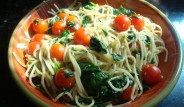 espagueti-con-espinacas-y-jitomate-cherry