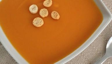 crema-de-zanahorias-con-patatas-y-manzana