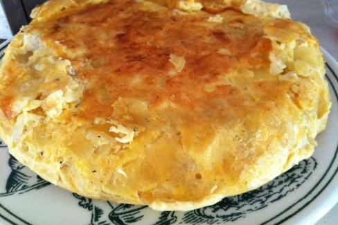 tortilla-de-patatas-y-bacalao