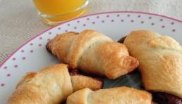 mini croissants de hojaldre rellenos de nocilla