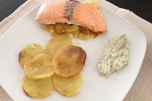 salmon-al-horno-con-patatas