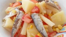 ensalada de patatas y sardinas